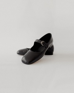 Zuhi Mary Jane Shoes in Black